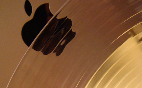 Glass Apple IPad Wallpaper