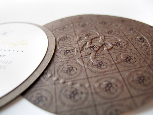 amazing round business card