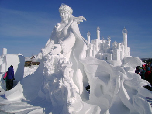 queen ice sculpture