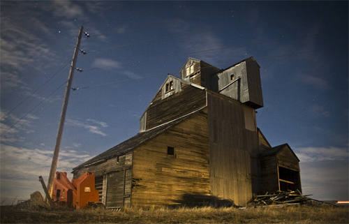 barn night photography