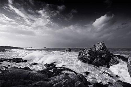 Camera Attractive Storm Photo