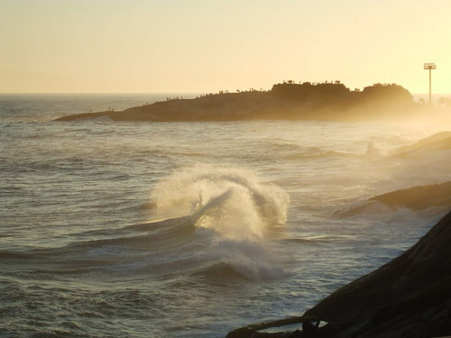 Sparkling big waves photo.