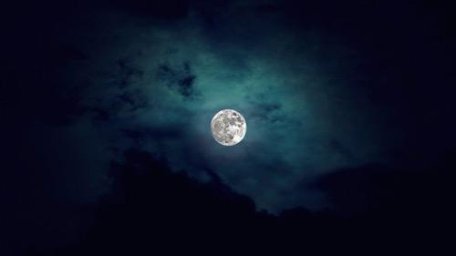 Amazing Moon Rise Photo
