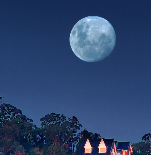 Nice Changing Moon Photo