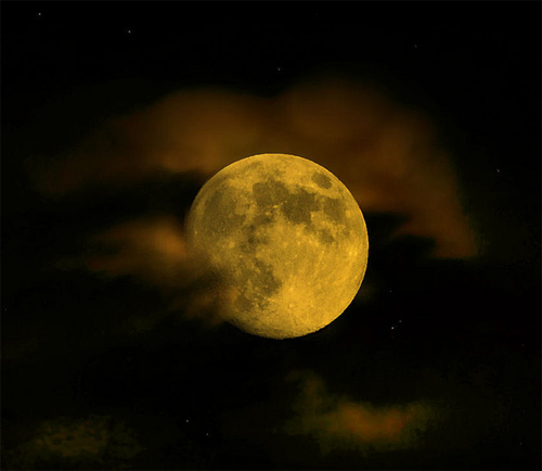 Very Detailed Moon Photography