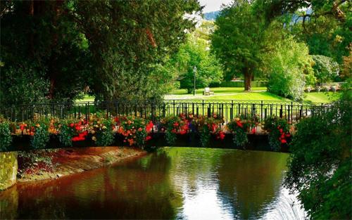 flowery bridge