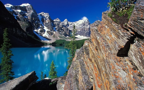 Moraine Lake Wallpaper