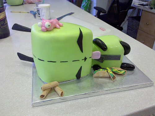 GIR green unusual cake design cool