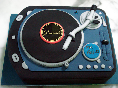 Turn table dj unusual cake design cool