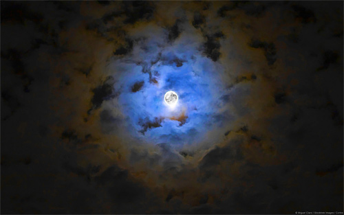 Breathe taking bright cool moon wallpaper