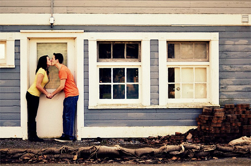 Beautiful house couple engagement photography