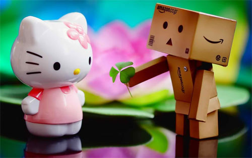 Danbo Loves Kitty wallpaper