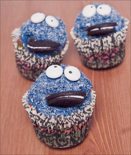 Cookie monster cute cupcake design inspiration