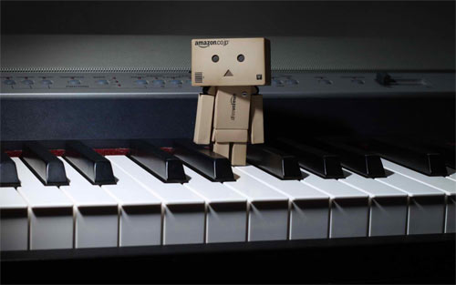 Danbo On The Piano wallpaper