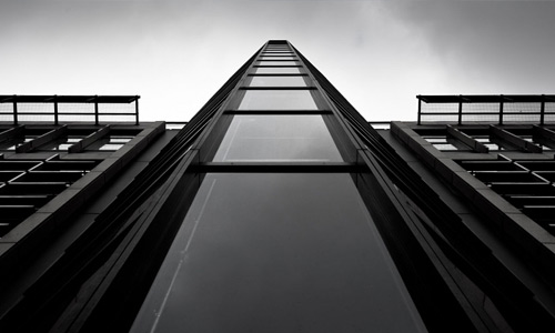 Monochrome free high resolution skyscraper wallpaper