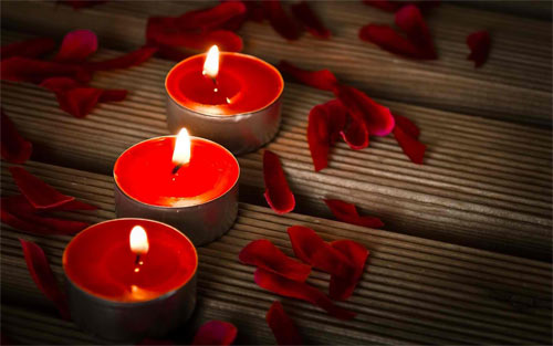 Candle Petals wallpaper