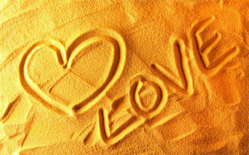 Love on the sand wallpapers_56122