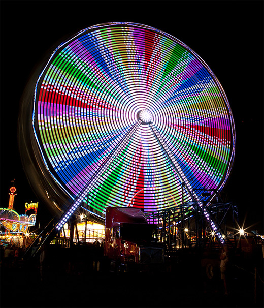 Beautiful long exposure ferris wheel photography