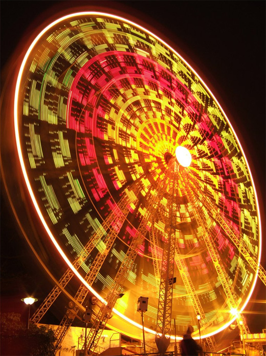 Cool long exposure ferris wheel photography