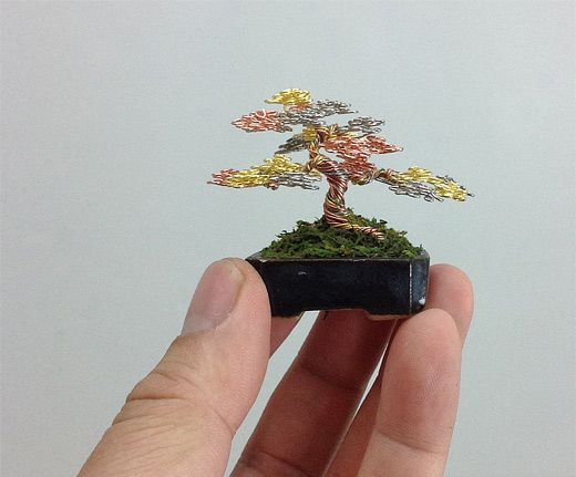 Tricolor bonsai wire sculpture