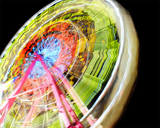 Cool wavy long exposure ferris wheel photography