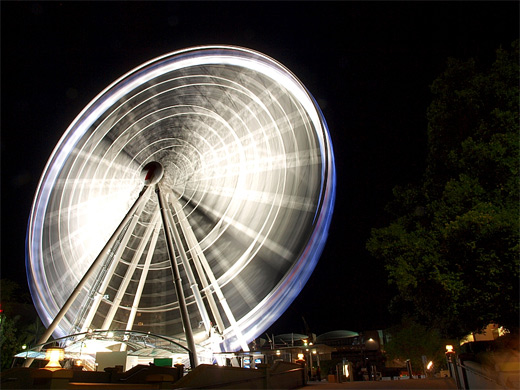 White long exposure ferris wheel photography