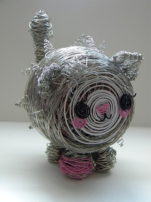 Carina pig wire sculpture
