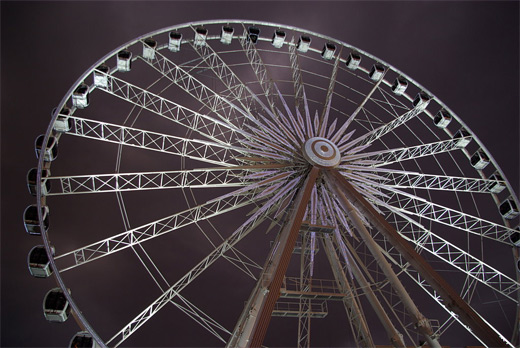 Largest mobile ferris wheel photography
