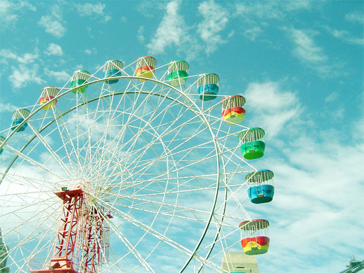 Colorful retro ferris wheel photography