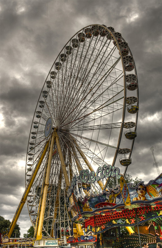 Cloudy rain ferris wheel photography