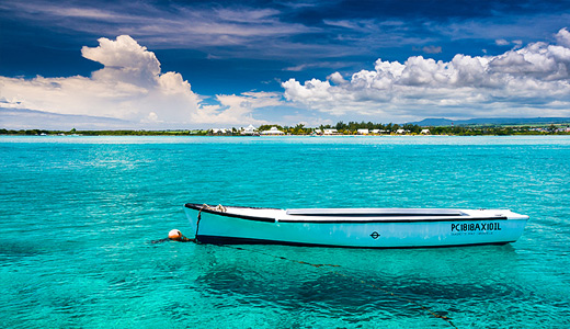Sea clear water boats free wallpapers hi res high resolution