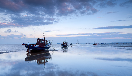 Blue sky calm sea reflection boats free wallpapers hi res high resolution