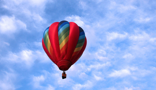 blue sky Red hot air balloon free download wallpapers
