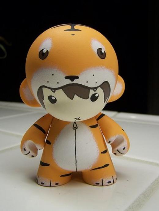 Tiger suit orange ultimate vinyl toys design collection