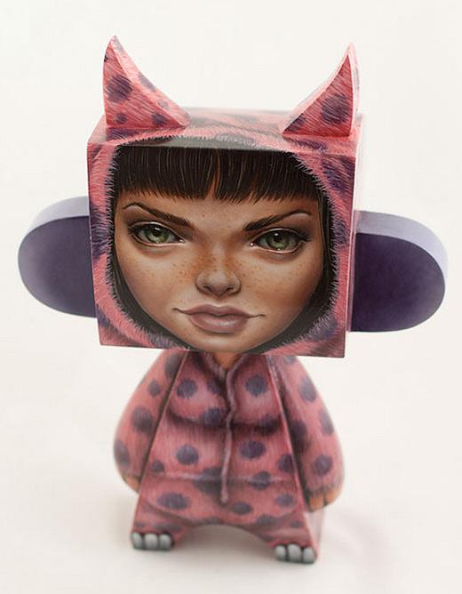 Girl madl mad vinyl toy