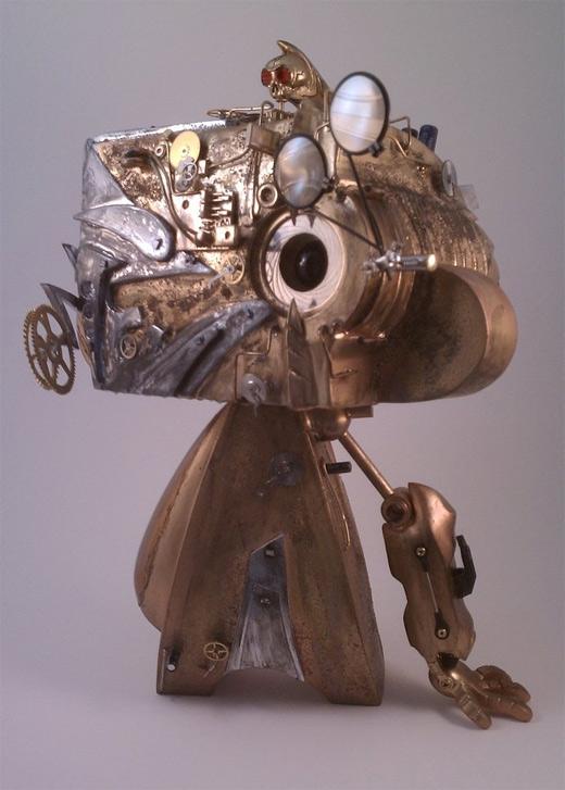 Robot metallic madl mad vinyl toy