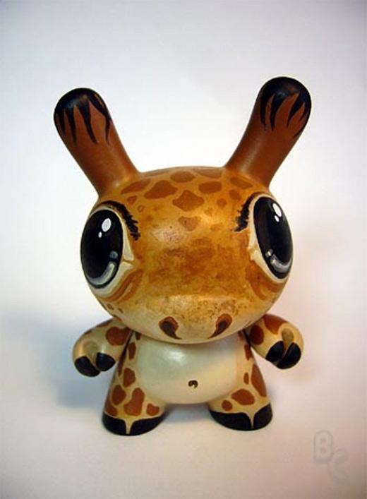 Giraffe dunny vinyl toys design