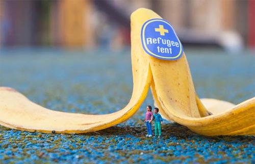 Slinkachu miniature street art featured