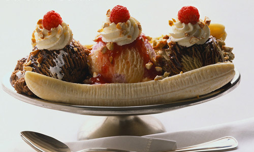 Banana split ice cream brush