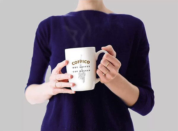 woman hold cup